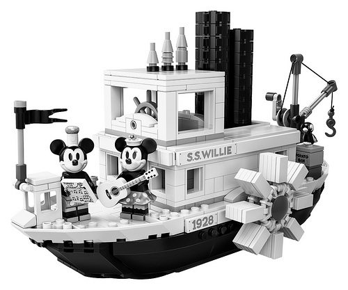 LEGO Ideas Steamboat Willie (21317)-2.jpg