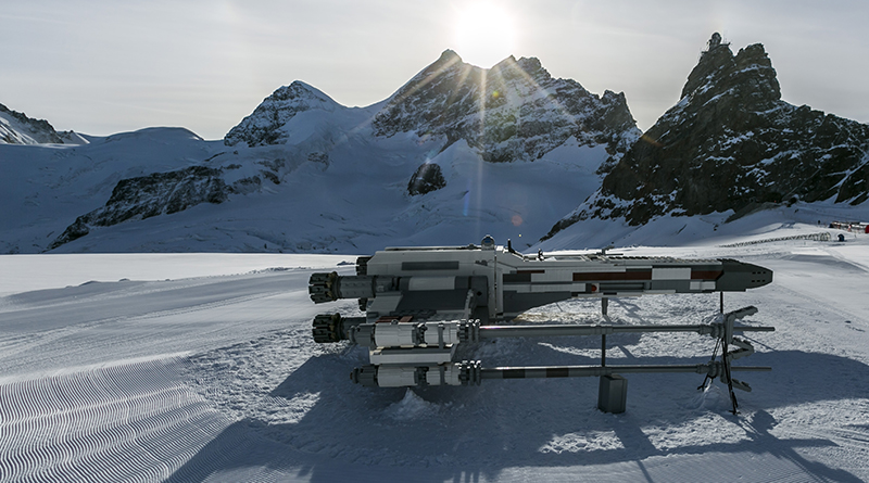 LEGO-Star-Wars-X-wing-Swiss-Alps-33.jpg