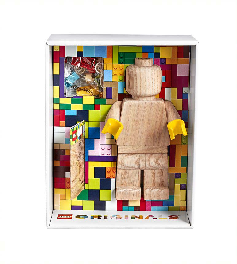 LEGO-Originals-Wooden-Minifigure-853967-3.jpg